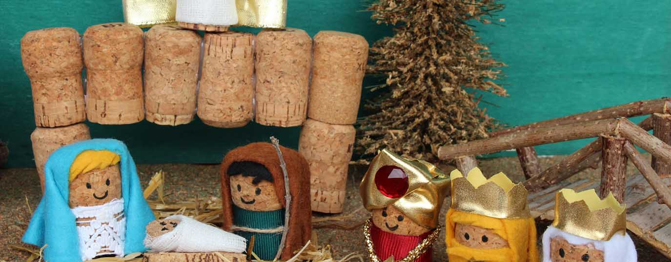 <p>Nativity with corks</p>
