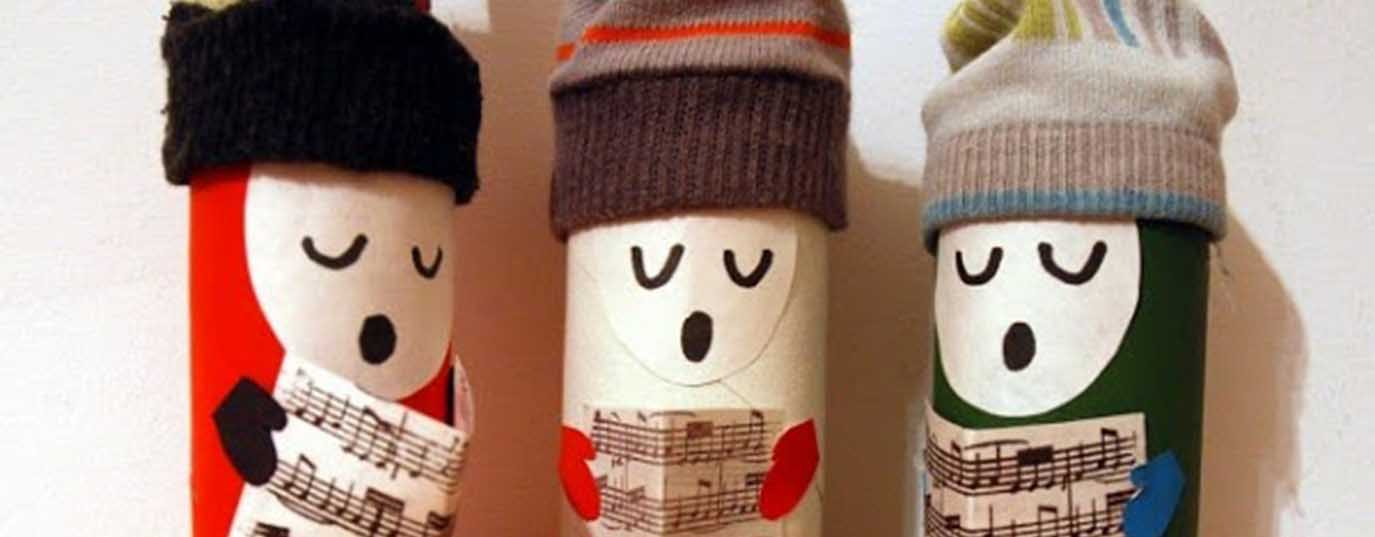 <p>Ornaments for Christmas tree with toilet paper tubes</p>