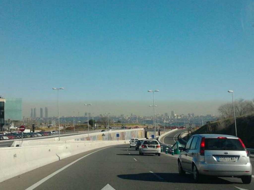 Vista de la  boina  de contaminación en Madrid 1ba5f9fe721