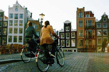 The bike is the best option to discover the cities