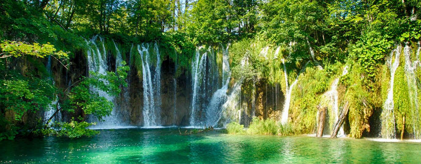 <p>Plitvice Lakes National Park (Croatia)</p>